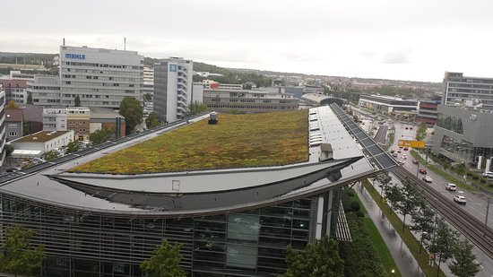 Motel One Stuttgart : Aussicht aus dem 7. Stock in Richtung Zuffenhausen