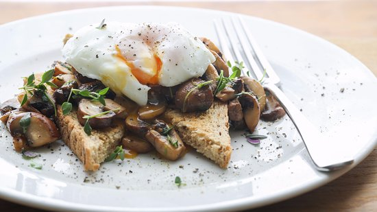 Three Abbey Green: Lemon and thyme mushrooms with poached egg on toast