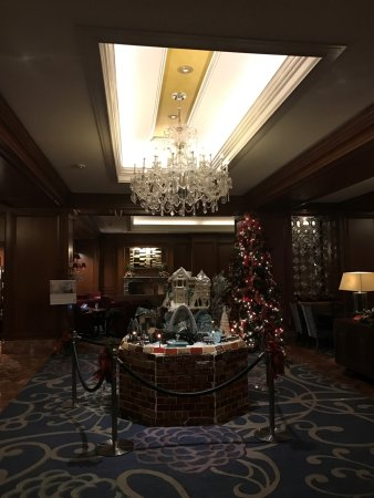 Clayton, MO: Lobby decorated for Christmas