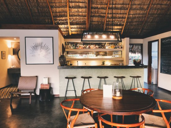 Popoyo, Nicarágua: Tailor made furniture combined with local materials