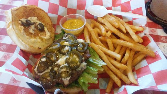 Danna's Barbeque & Burger Shop: Mimi bleu burger and fries