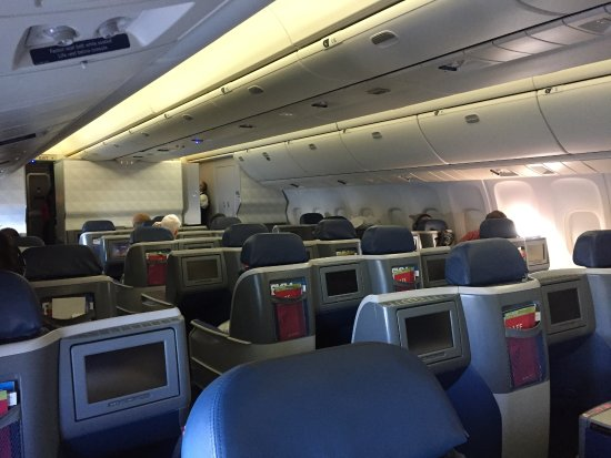 Delta One cabin on B767 - Picture of Delta Air Lines - TripAdvisor