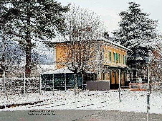 Gex, Francia: Le Restaurant sous la neige