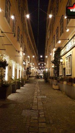 Mercure Grand Hotel Biedermeier Wien: 20171128_192048_large.jpg