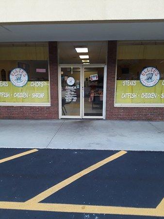 Dayton, TN: Ellie's Catfish Cafe