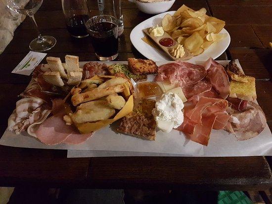 Subbiano, إيطاليا: 20171206_211112_large.jpg