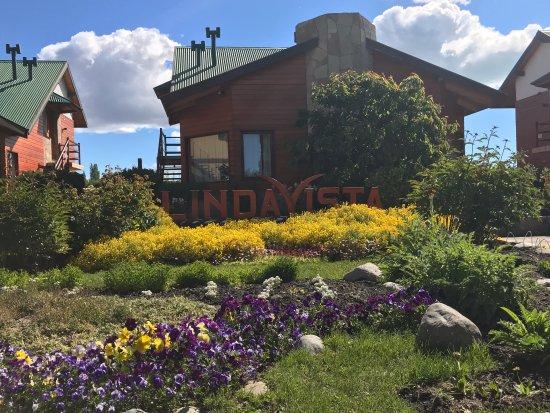 Linda Vista Apart Hotel: hotel grounds