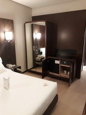 Best Western Hotel Goldenmile Milan: 20171025_190410_large.jpg