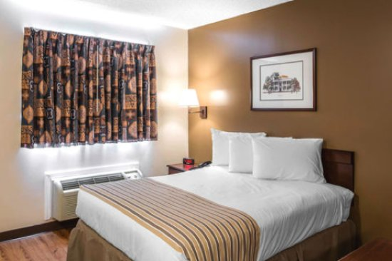 Suburban Extended Stay Nashville-Harding Place