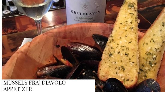 Bokeelia, FL: MUSSLES FRY DIAVOLO WITH GARLIC BREAD