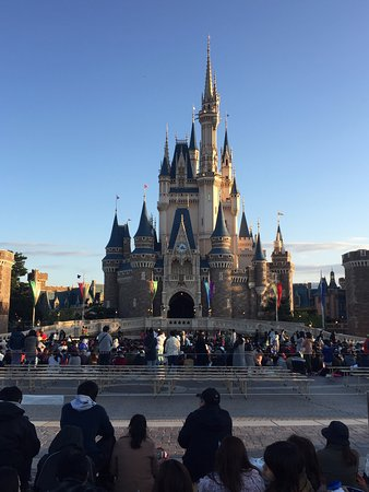 Cinderella Castle During The Day Picture Of Tokyo Disneyland