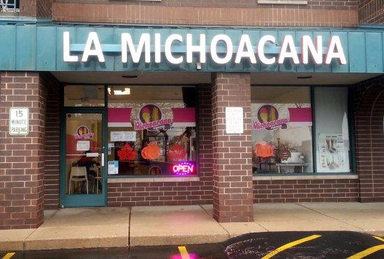 Bensenville, IL: front of & entrance to La Michoacana Especial