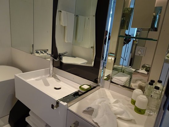 bathroom mirror with electrical outlet lots of mirrors where s the electrical outlet picture 22237
