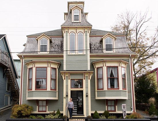 Front Of Kaulbach House With Clic Lunenburg Features P Bay Windows And A