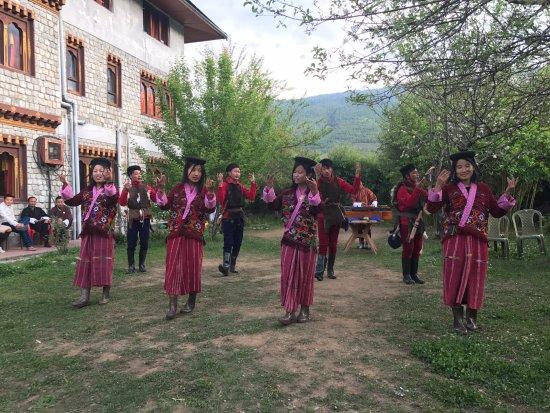 Bhutan Travel Club: Cultural show