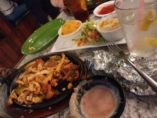 Shallotte, NC: Chicken Fajita dish with beans and rice