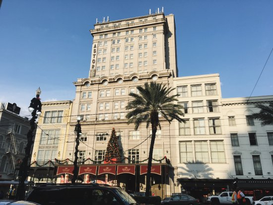 Crowne Plaza Hotel Astor-New Orleans: Hotel from across the street