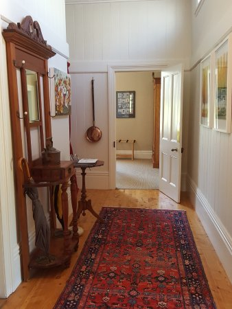 Naseby, New Zealand: Hall view into Parkers suite
