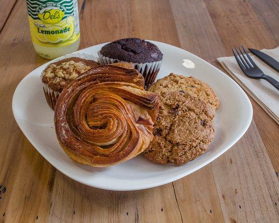 Teaneck, NJ: Pastries