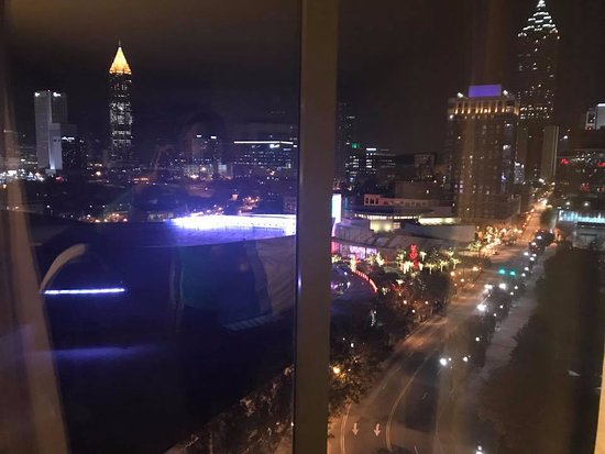 Hilton Garden Inn Atlanta Downtown: Night View!