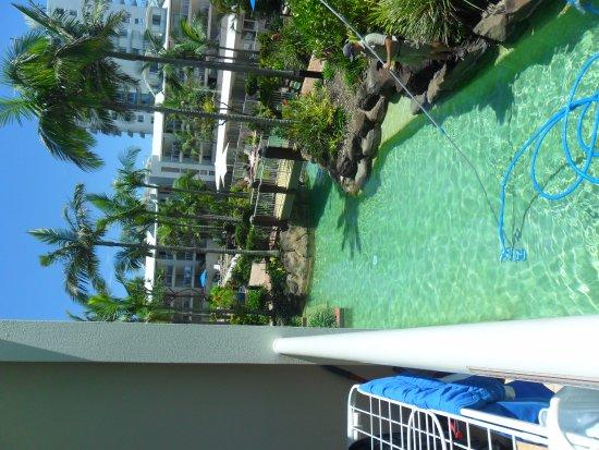 Alexandra Headland, Australia: Lagoon left (spa, slide , pool)