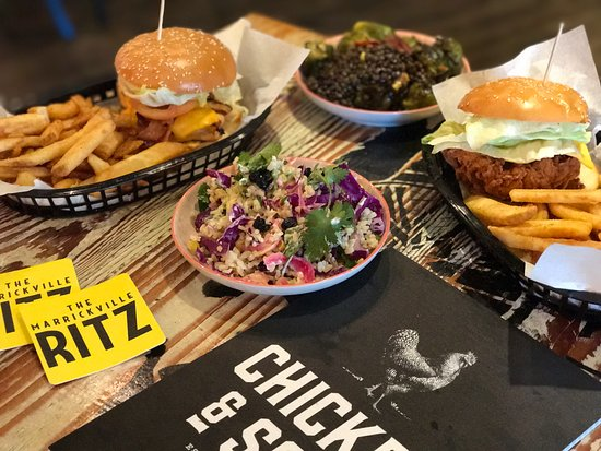 Marrickville, Austrália: Chicken and Sons at The Ritz