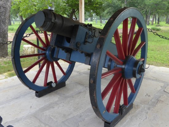 Bryan, TX: Replica Cannon