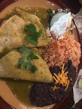 Casa Tina: enchiladas with green sauce