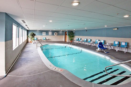 Holiday Inn Express Branford/New Haven: Pool