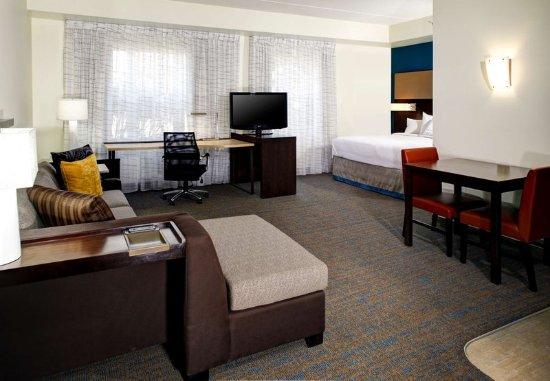 Beachwood, OH: Guest room