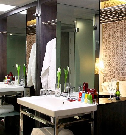 Two hotel barcelona by axel barcelone espagne voir for Hotel calle paris 101 barcelona