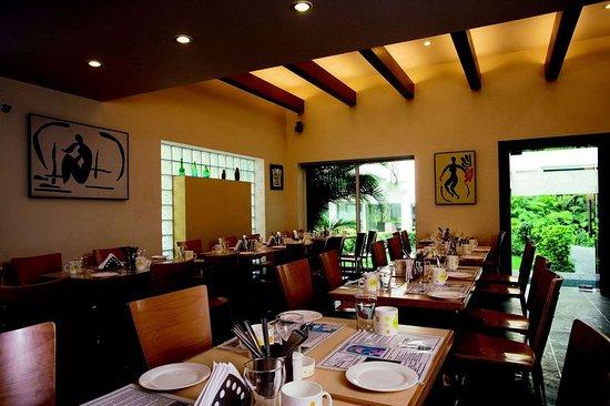 Lemon Tree Hotel, Udyog Vihar, Gurgaon: Restaurant