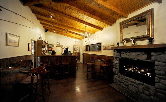 Turangi, Nieuw-Zeeland: the Bar