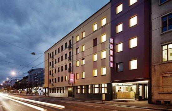 Hotel du Commerce : Exterior