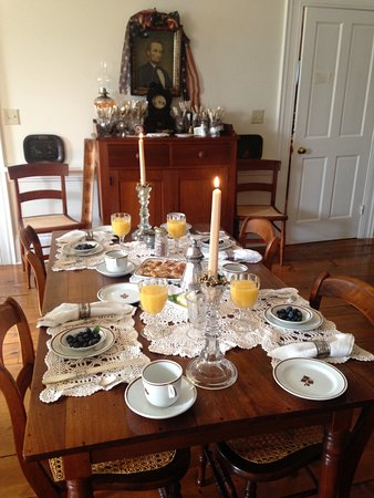 Eagle, WI: Antique Tea Leaf China Breakfast Setting