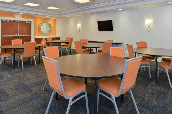 Terre Haute, IN: Meeting room