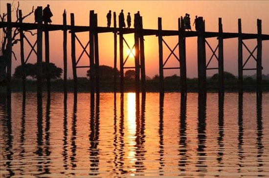 Solnedgang på U Bein Bridge Mandalay...