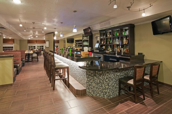 Holiday Inn San Mateo-San Francisco SFO: Bar/Lounge