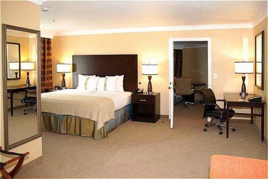 San Mateo, CA: Suite
