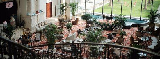 New Century Grand Hotel: ラウンジも広く清潔