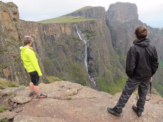 Winterton, Sydafrika: Tugela Falls dropping over the edge of the Amphitheatre - Northern Drakensberg