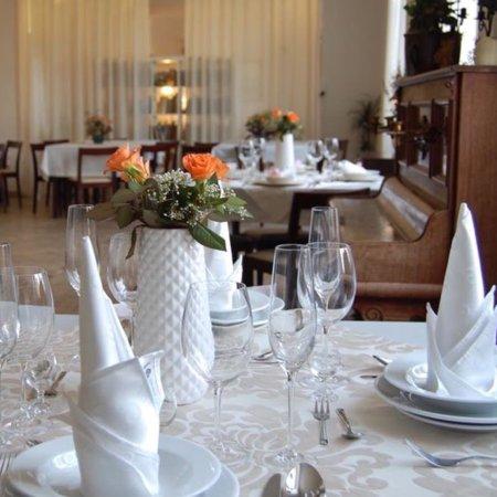 Myslakowice, Polonia: Restauracja i Pijalnia Czekolady Wesół i Szczęśliwy