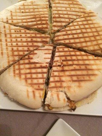 Pinos Puente, Spain: Deliciosa rosca preparada para tomar en local o para llevar a casa.