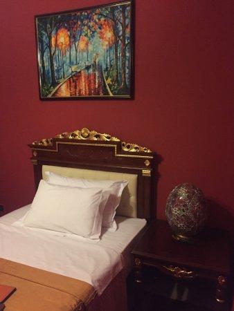 ديناستي هوتل: extra bed in room