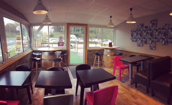 Saint-Yrieix-la-Perche, France: Nouvelle salle de restaurant