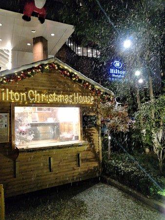 The Kunlun Jing An: Weihnachtsstimmung mit Seifenschaum