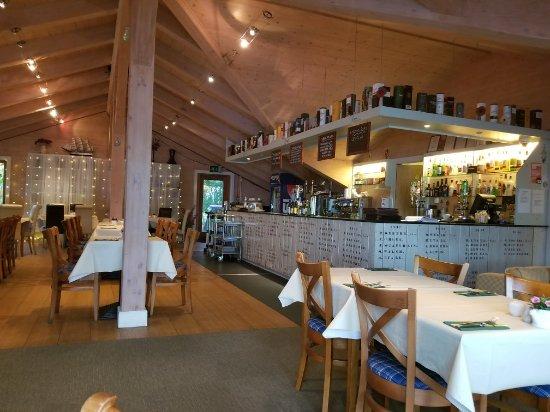 the boathouse lochside restaurant fort augustus. Black Bedroom Furniture Sets. Home Design Ideas