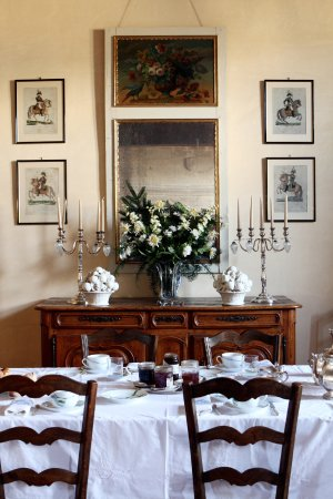 Maine et Loire, Fransa: Breakfast in the manor dining room