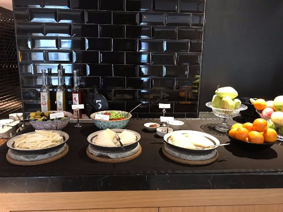 Witt Istanbul Suites: breakfast2