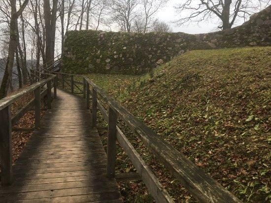 Sigulda, Látvia: walking around the castle